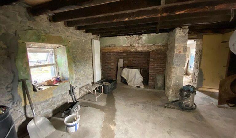Unuk renovirao dedinu kuću staru 200 godina: Sam lijepio pločice i krečio, rezultat je nevjerovatan
